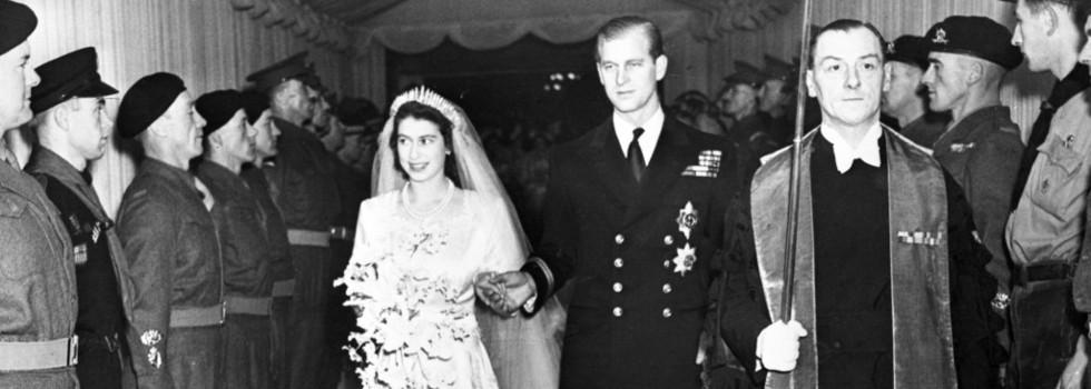Кралица Елизабет II и принц Филип празнуват платинена сватба (снимки)