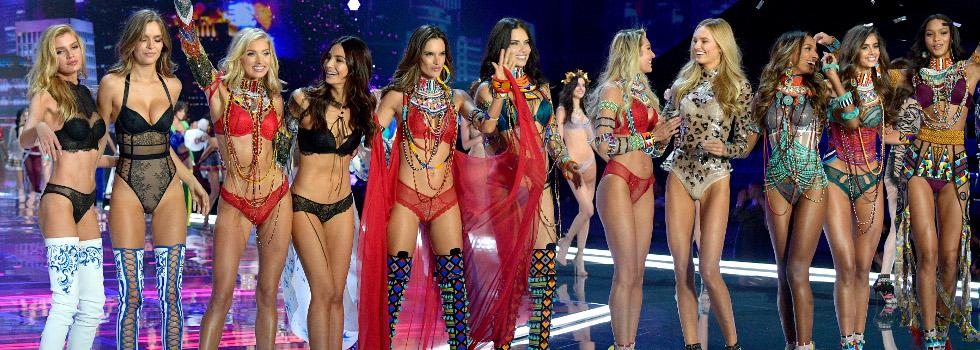 Блясък и изящни тела на ревюто на Victoria's Secret