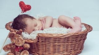 Най-интересните ритуали по света около посрещането на бебето