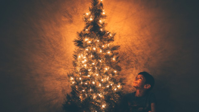 Който не носи Коледа в себе си, никога няма да я открие под елхата