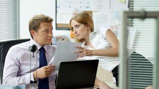 Кой лудува най-много на работното място?