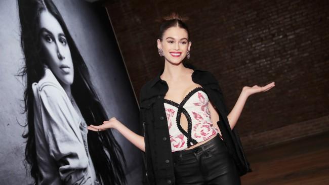 Кая Гербер за първи път на френската корица на Vogue