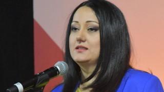 Лиляна Павлова категорична: Ще се боря с фалшивите новини заради семейството си