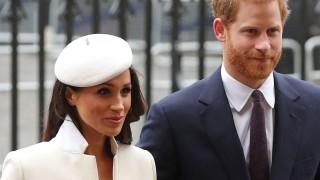 Кралски гаф: Меган и Кейт с еднакви обувки