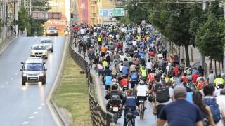 Самоубийство ли е: С колело в София?