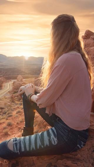 Емоционално обслужване – как да спрете да живеете в интерес на другите
