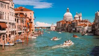 Венеция – градът на цветната романтика
