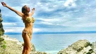 Илиана Раева показа перфектна фигура на плажа (Снимки)