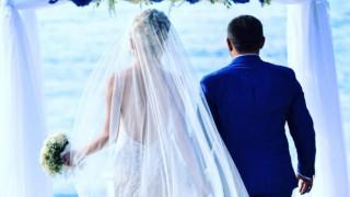 Антония Петрова побърква с уникални сватбени снимки