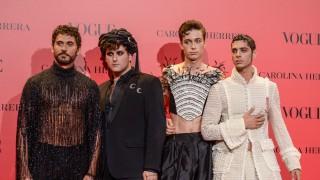 Мъже с рокли и токчета приковаха погледите на партито на Vogue (Снимки)