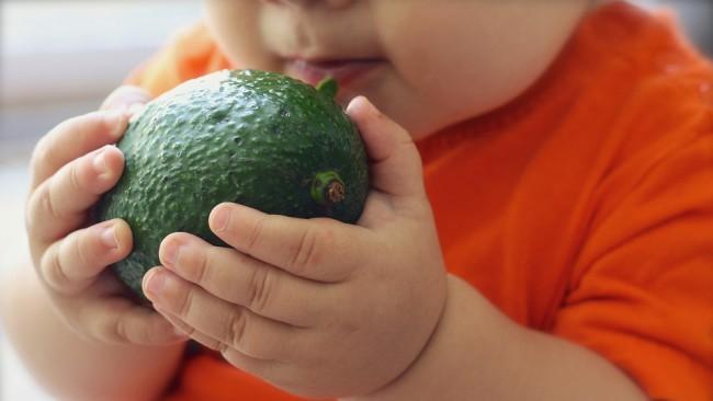 Топ 9 на най-полезните първи храни за бебето