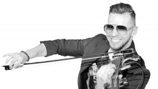 Музикалната сензация Свет Радославов с концерт в Слънчев бряг