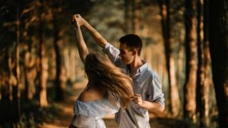 Лъвове, днес е ден за романтика и интимност!