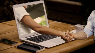 3 прости трика, ако търсите любовта в интернет