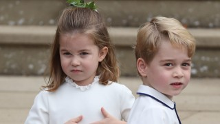 Как се обръщат принц Джордж и принцеса Шарлот към баща си