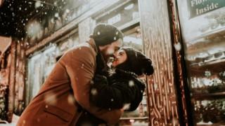 Деви, срещате любовта през декември