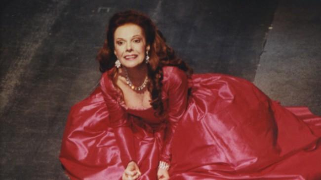 Райна Кабаиванска на 86: Всичко трябва да се прави с любов!