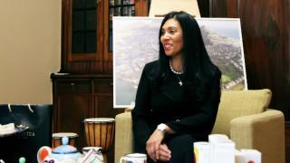 Посланикът на Южна Африка Ванеса Калверт: Чаят от Ройбос има невероятни лечебни свойства