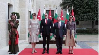 Деси Радева и кралица Рания: Коя е по-елегантна? (Снимки)