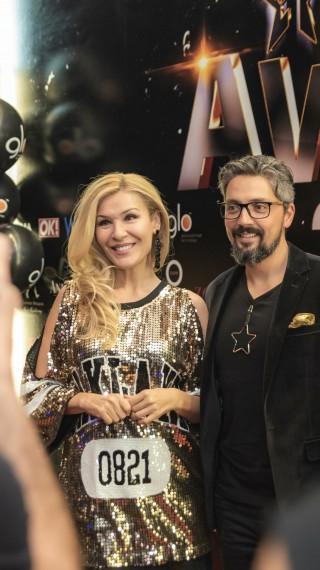 Куп влюбени двойки на церемонията The 1 Lifestyle Awards