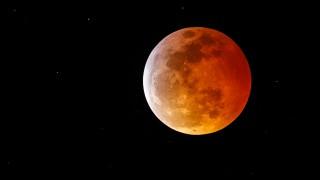 Фантастични кадри от супер кървавата луна (СНИМКИ)