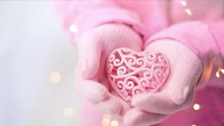 Честит Свети Валентин, момичета!