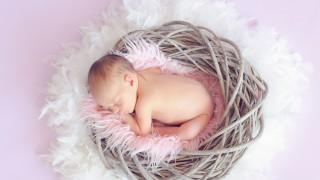 Момиче роди, без да подозира
