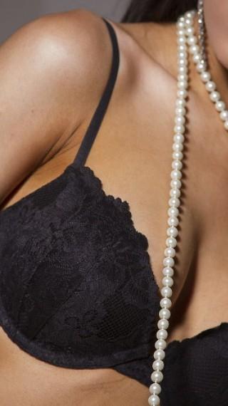 Българска майка: Изкуствените гърди едва не ме убиха