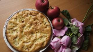 Шарлота с ябълки
