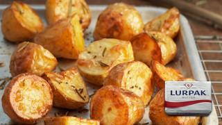 Хрупкави пресни картофи с розмарин и чесън