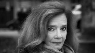 Виолета Гиндева отказва да абортира и напуска Народния театър