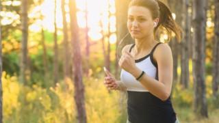 Колко часа трябва да бягаш, за да изгориш калориите от 1 козунак?