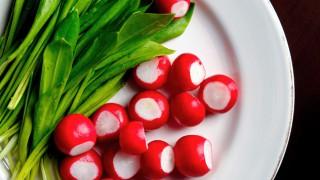 5 причини да хрупате салата от репички всеки ден