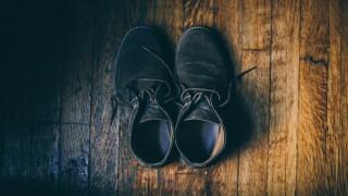 Оцетът ще направи велурените ви обувки като нови