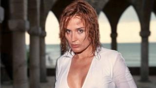 Вижте с кого ще ходи Аня Пенчева на море