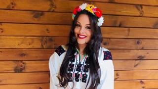 Симона Загорова облече вековна носия за сватба