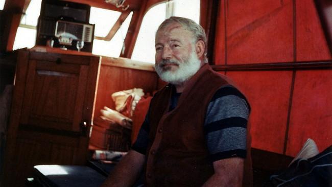 Великият Хемингуей: По-добре да обичаш и да загубиш, отколкото никога да не си обичал