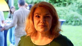 Марта Вачкова чукна 60, кумува на сватба №1 в бизнеса