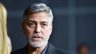 Джордж Клуни в шок: появи се извънбрачно дете от кечистка