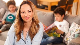 Вики Терзийска запознава децата в България как да бъдат отговорни стопани на домашен любимец
