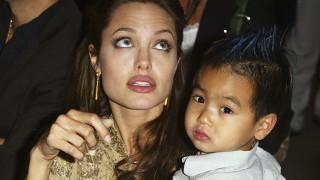 Анджелина Джоли се разплака на раздялата със сина си в Южна Корея