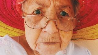 Баба и внуче! Велик тандем, който може да ви скъса нервите
