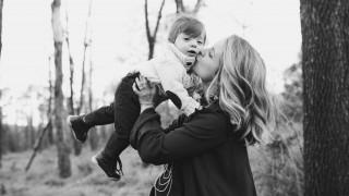 Майка осъди Норвегия - държавата, която отнема децата от родителите им