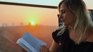 Популярни личности налагат четенето на книги като мода