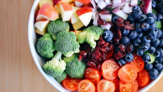 Кои зеленчуци и плодове са по-полезни - суровите или варените?