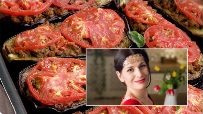 Да готвим с Ани Шакарян: Пълнени патладжани с кайма и домати (Карнъ ярък)