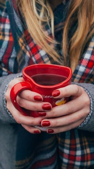 Как да се грижим за кожата на ръцете през зимата