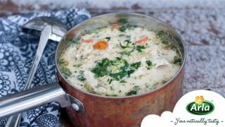 Насладете се на пилешка нудъл супа