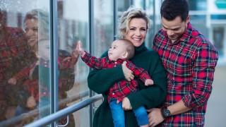Поли Генова за пръв път показа лицата на съпруга си и бебето им