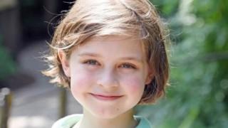 Появи се новият Стивън Хокинг: 9-годишен гений вече завършва университет